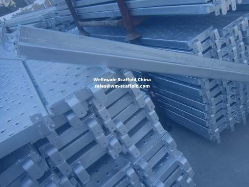 https://www.wm-scaffold.com/wp-content/uploads/2020/12/300mm-scaffold-boards-with-o-hooks.jpg